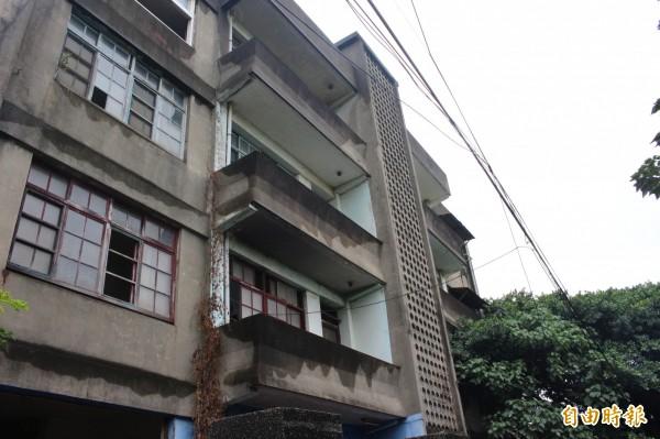 彰化縣政府文化局將於12月25日舉行台鐵舊宿舍群的文資審議大會。(記者張聰秋攝)