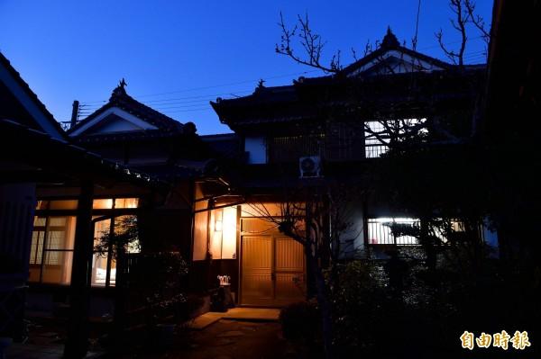 日本二線城市的溫泉地氣氛悠閒,結合露天湯屋與和式塌塌米地板的住宿,成台人前往日本泡湯的首選。(業者提供)