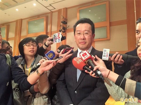 金管會主委顧立雄今天表示,當沖降稅具正面效果,建議延長7年。  (記者王孟倫攝)
