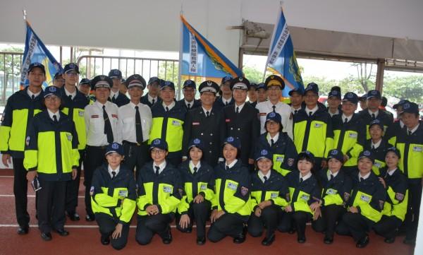 今年11月11日宜蘭鳳凰志工隊終於正式納入義消總隊。(宜蘭鳳凰志工提供)