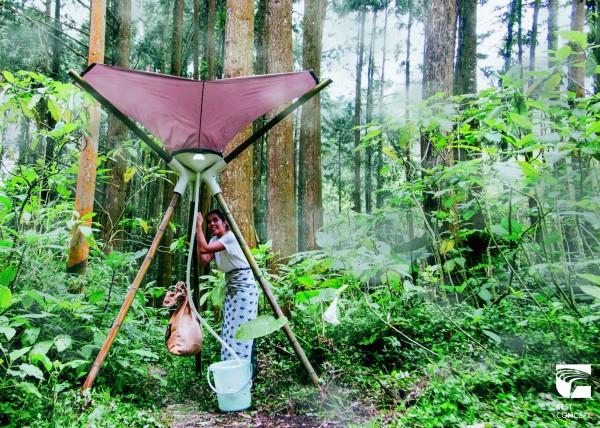 台灣與宏都拉斯等設計師跨國合作的團隊,設計「山中引霧汲水器」,要解決資源匱乏地區的缺水問題,獲評審青睞奪2017金點概念設計獎最佳設計。(台灣創意設計中心提供)