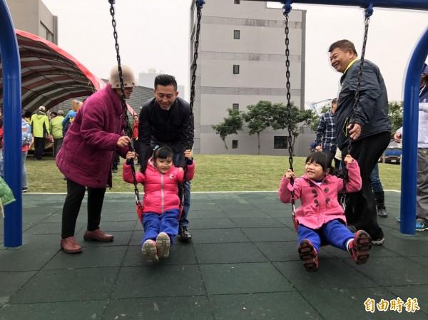 新竹市港南里有塊1680平方公尺的空地長期閒置,市府匯集各方意見,啟動公園改造工程。(記者王駿杰攝)