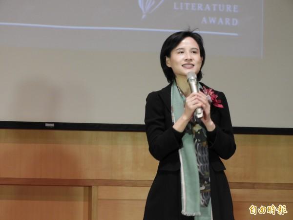 文化部長鄭麗君說,文學家用書寫力量讓台灣走出去。(記者洪瑞琴攝)