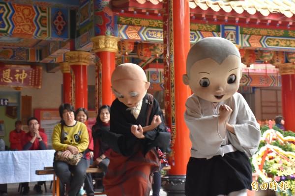 今年「台江童樂會」由銀河谷音劇團演出「一休小和尚」。(記者蔡文居攝)