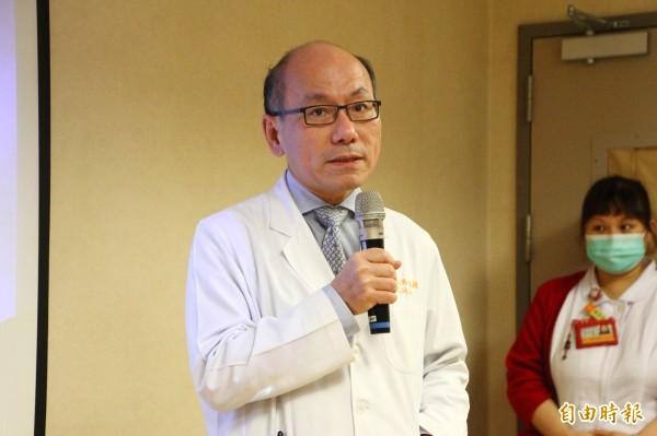 嘉義長庚醫院院長林志鴻盼有更多人願意進行器官捐贈。(記者林宜樟攝)