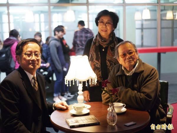 今天宜大校長吳柏青(左)和黃春明(右)都出席典禮。(記者簡惠茹攝)