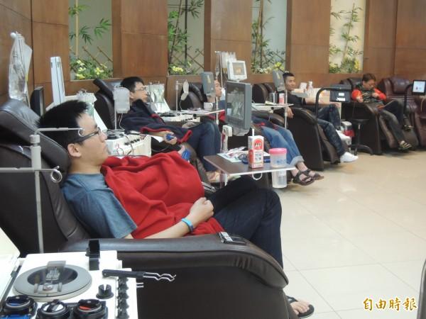 寒流來襲冷颼颼,新竹捐血中心的血源短缺,號召熱血英雄,圖為資料照。(記者廖雪茹攝)