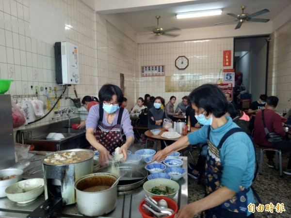 台中市南屯區阿有麵店,具有55年歷史。(記者張軒哲攝)