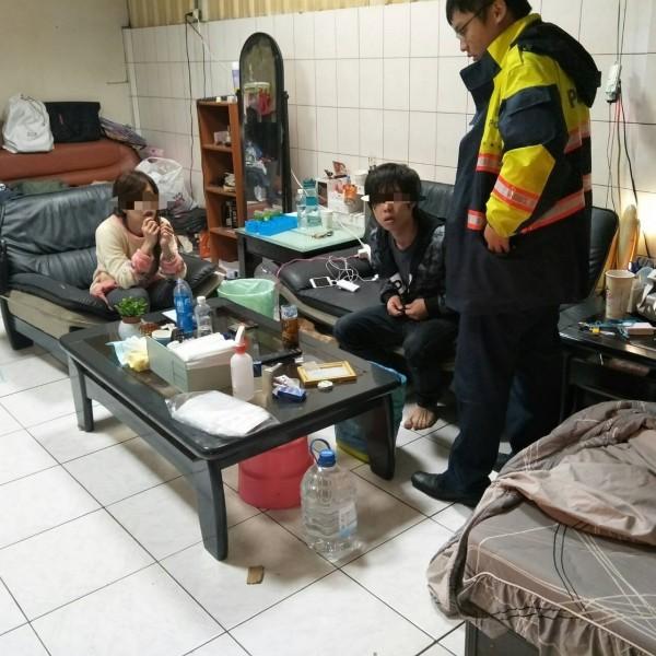 林姓男子被警方查獲涉及在家分裝毒品,林一概否認,而林的女友則供稱不知情。(記者王善嬿翻攝)