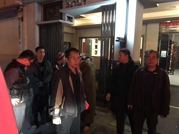 嘉明輪在東吉島發生擱淺,8名船員獲救安置在大北辰旅館。(澎湖縣政府消防局提供)