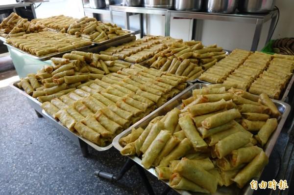 林明堂素食麵的招牌就是豆包。(記者劉曉欣攝)