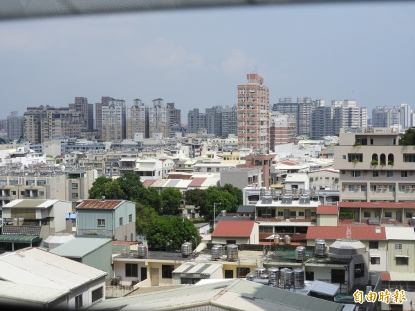 南市配合中央社會住宅政策,包租代管方式有1200戶。(記者洪瑞琴攝)