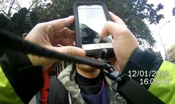 警方以人臉辨識系統查出高男已被通緝。(記者鄭淑婷翻攝)
