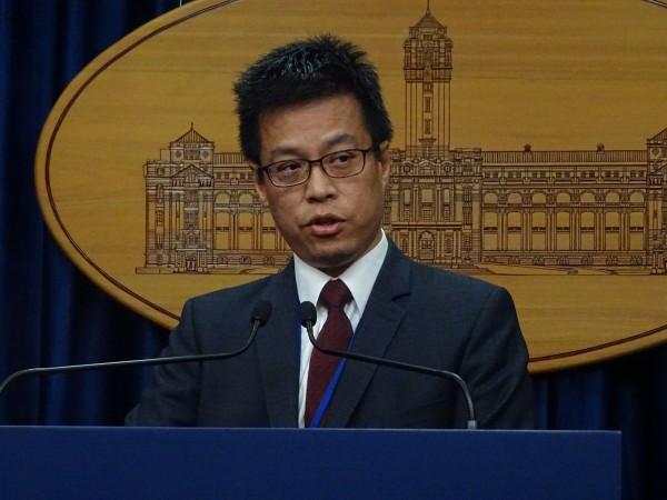 總統府發言人黃重諺回應總統府8位人權諮委對勞基法修法的批評。(資料照,記者李欣芳攝)