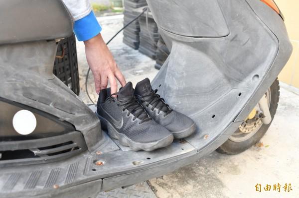 名貴球鞋放踏墊遭竊,小偷竟是「牠」。示意圖。(記者蔡宗憲攝)