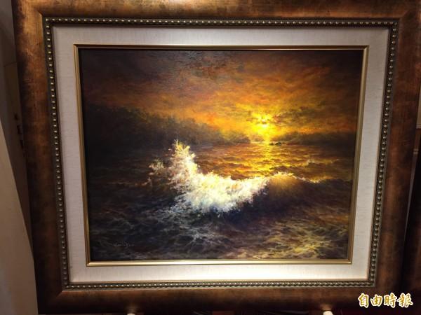 畫作透過光影的層次,能夠自然呈顯於眼前。(記者邱書昱攝)