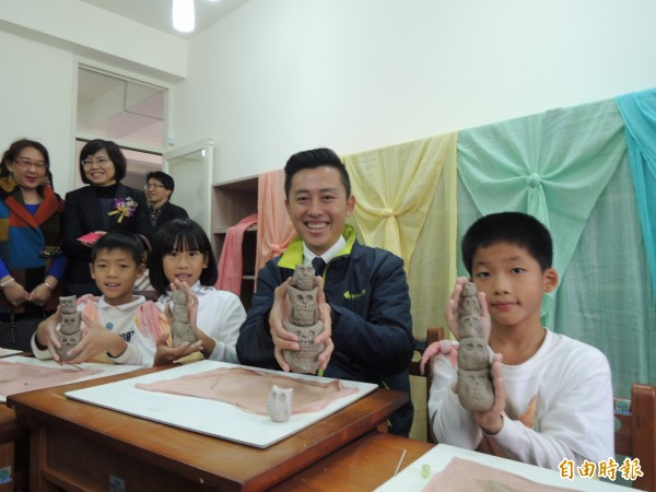 新竹市政府啟動新校園運動,透過新校舍及老舊校舍改建,打造學生的知識遊樂地,規劃過程新竹市長林智堅全程參與。(記者洪美秀攝)