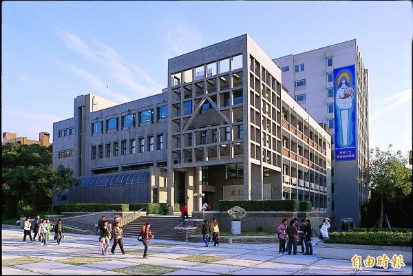 靜宜大學校園優美。(記者張軒哲攝)