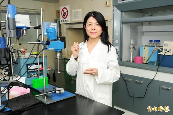 靜宜大學化粧品產業研究發展中心執行長吳珮瑄。(記者張軒哲攝)