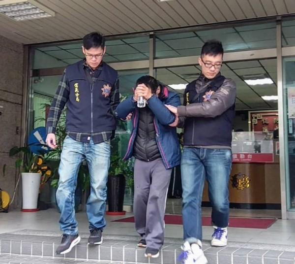 59歲黃姓男子涉嫌販毒遭逮。(記者姚岳宏翻攝)