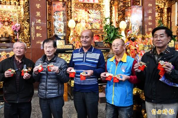 福安宮拜頭香前先捐600萬給花蓮。(記者蔡宗憲攝)