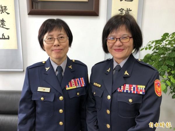 新竹市警界第一位女副局長黃秀法(左)、分局長蕭惠珠(右)7日走馬上任。(記者王駿杰攝)