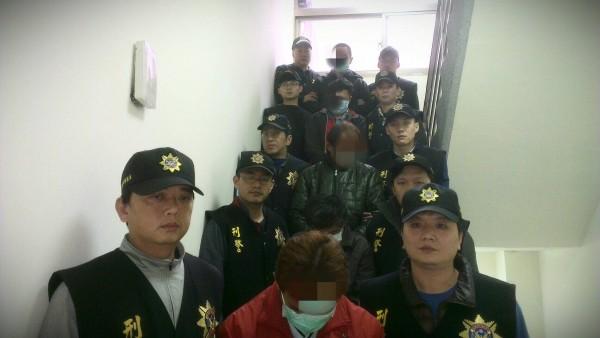 警方將毒販移送基隆地檢署法辦,主嫌被法院裁定羈押(記者吳昇儒翻攝)