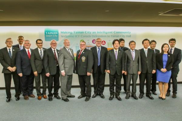 台南市政府去年與ICF代表團合影。(市府提供)