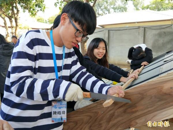 來自全國各地的學子參與老屋勞動營。(記者黃佳琳攝)