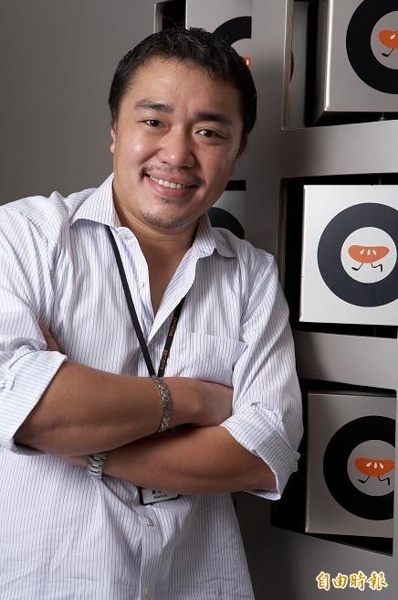 橘子1月營收19.4億元,月增率16%,董事長劉柏園相當開心能有好成績。(記者張慧雯攝)