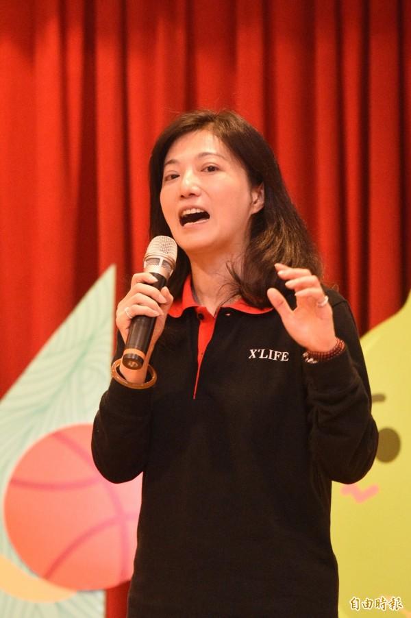 健茂生技副總陳怡妗表示,希望能藉由動畫,讓社會大眾能輕鬆的了解台灣獨特的有機綠檸檬。(記者張忠義攝)