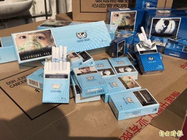 基隆關查獲市價3500萬私菸1000箱。(記者林欣漢攝)