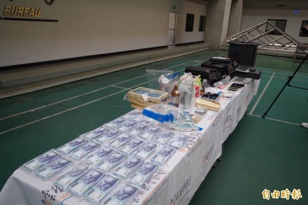 雲林縣警方及時攔截200多萬千元偽鈔流入市面。(記者林國賢攝)