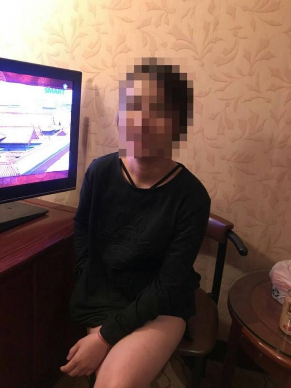 警方逮獲來台賣淫的泰國籍女子。(記者劉慶侯翻攝)