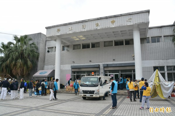 花蓮震後第8天,今早10時收容中心正式關閉,受災及撤離戶總逾200戶,已陸續進駐飯店安置。(記者王峻祺攝)