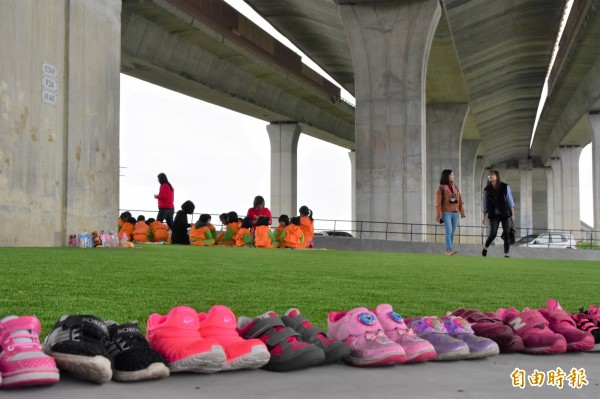 冬山鄉武淵村水火同源,位於國五高架橋下,適合晴天、雨天野餐。(記者張議晨攝)