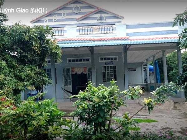 蕭家女兒指控越南籍生母把父親賺的錢都搬回越南蓋新家。(記者黃佳琳翻攝)