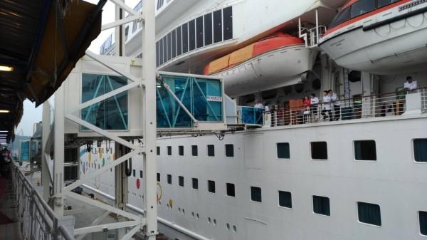 基港公司增置1具旅客橋,方便郵輪旅客進出。(圖由基隆港務分公司提供)