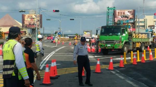 注意新動線!恆春半島省道台26線龍鑾橋重建,替代道路啟用。(記者陳彥廷翻攝)