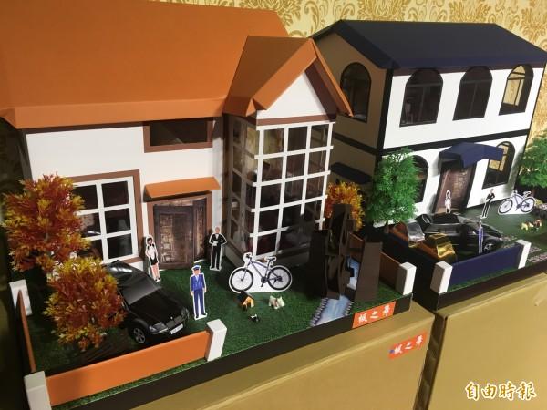紙紮的「透天豪宅」一改傳統,現走精緻小巧風格,內容擺飾都十分講究。(記者鄭名翔攝)