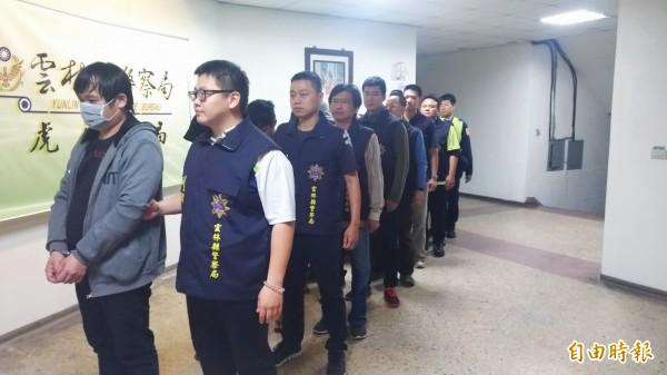 虎尾分局破獲謝福軍暴力組織犯罪集團。(記者廖淑玲攝)