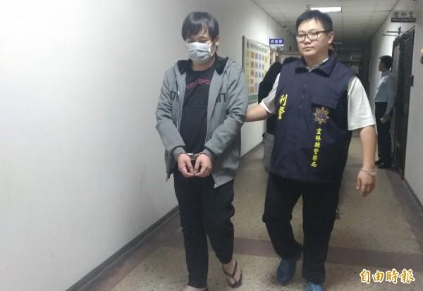 以謝福軍(左)為首的暴力組織犯罪集團落網。(記者廖淑玲攝)