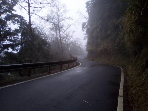 太平山聯外山路交通順暢。(記者江志雄翻攝)