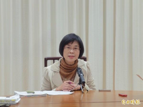 財政部統計處副處長陳玉豐表示,前2月全國賦稅收入實徵淨額2036億元,創1999年以來、20年新高。(記者盧冠誠攝)