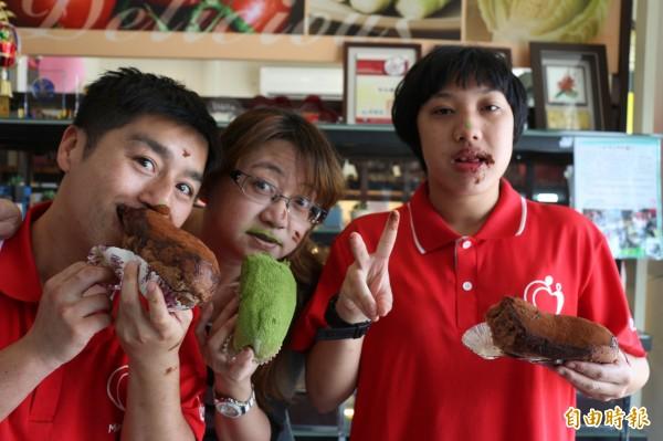 學員們說只有吃髒髒包時,可以吃得滿臉髒。(記者王秀亭攝)