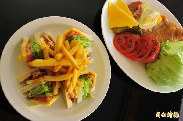 總匯三明治加入自製煙燻雞胸肉調味,也是演員愛吃餐點。(記者王捷攝)