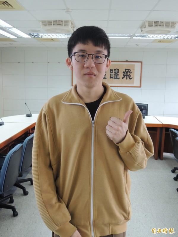 羅高江子安希望當外科或急診室醫師。(記者江志雄攝)