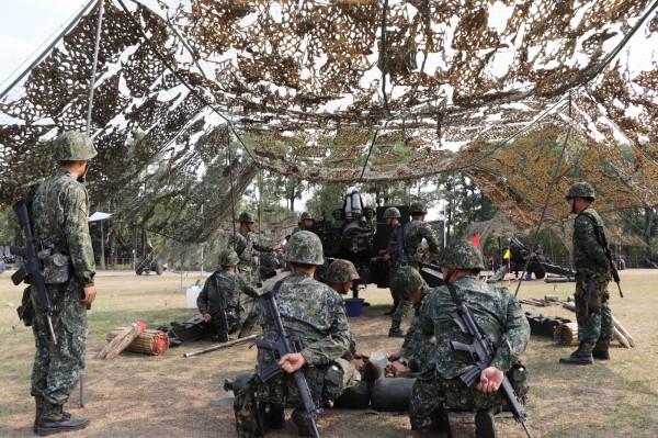 陸軍第八軍團今天起執行「戰備任務訓練週」,在南部各個演訓場進行各項戰備演訓任務。(圖/陸軍八軍團提供)