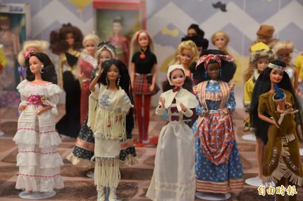 芭比娃娃早期是世界各國小女孩最喜歡的玩伴。(記者蘇福男攝)