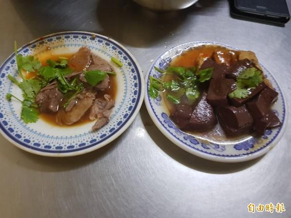 基隆市安一路巷頭粿仔湯營業超過60年,粿仔湯湯頭鮮美、粿仔條好吃不礙胃;圖中的小菜讓人看了垂涎三尺。(記者俞肇福攝)